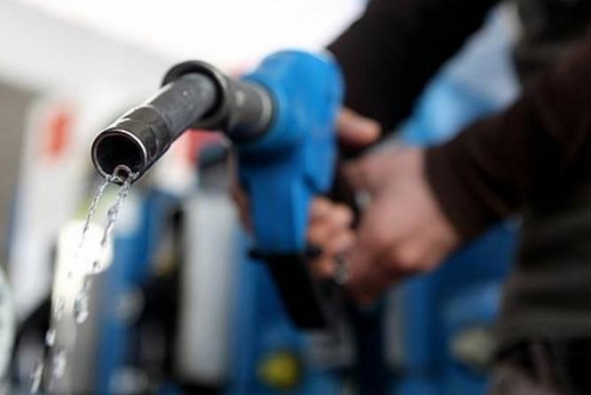BC vê alta de 51,7% na energia em 2015 e de 15% na gasolina